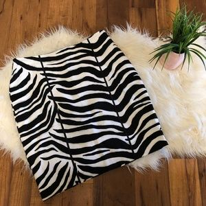 White House Black Market Black White skirt size 10
